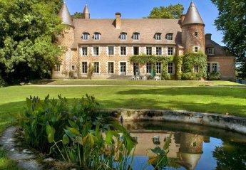 Chateau in Paray-le-Frésil, France