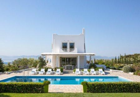 Villa in Loutraki, Greece