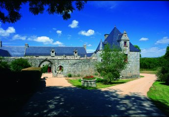 Chateau in Primelin, France