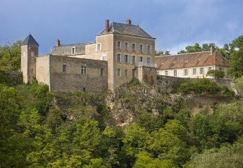 Chateau in France, Neuvy-le-Barrois