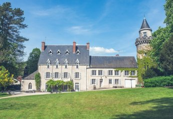 Chateau in Moloy, France