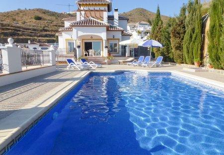 Villa in Urbanizacion Panorama Beach, Spain