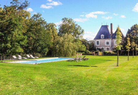 Chateau in Brinon-sur-Sauldre, France
