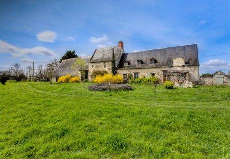 Villa in Varennes-sur-Loire, France