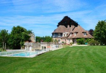 Chateau in Zone d'Activites du Plateau, France