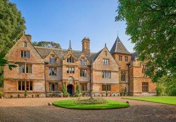 Chateau in Harrowden & Sywell, England