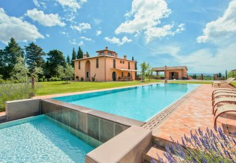 Villa in Peccioli, Italy