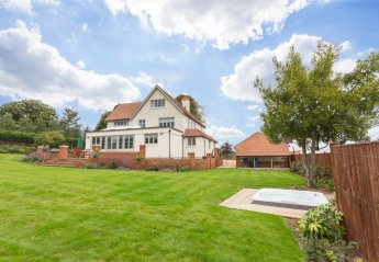 Cottage in Bisham and Cookham, England