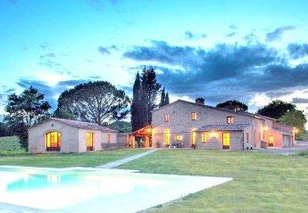 Villa in Buonconvento, Italy