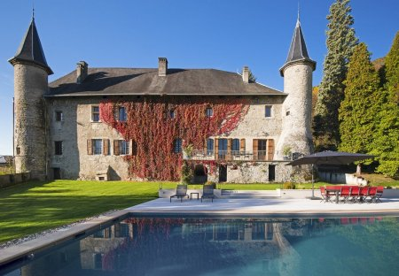 Chateau in Saint-Pierre-d'Albigny, France