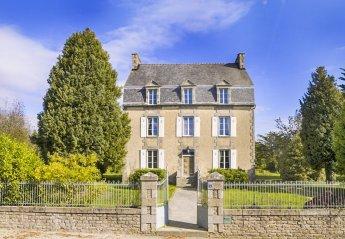 Villa in Ménéac, France