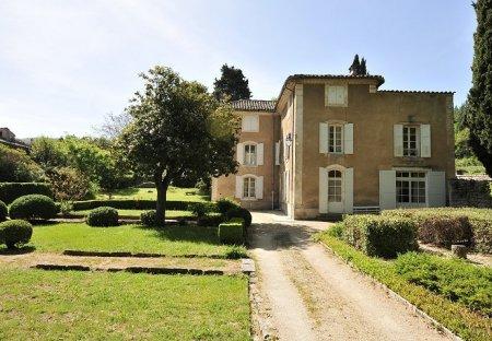 Villa in Saignon, the South of France