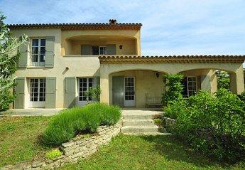 Villa in Saint-Saturnin-lès-Apt, the South of France