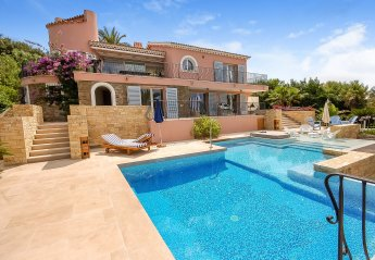 Villa in Le Lavandou, the South of France
