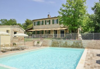 Villa in Montemaggiore al Metauro, Italy