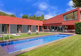 Villa in Mont-ras, Spain