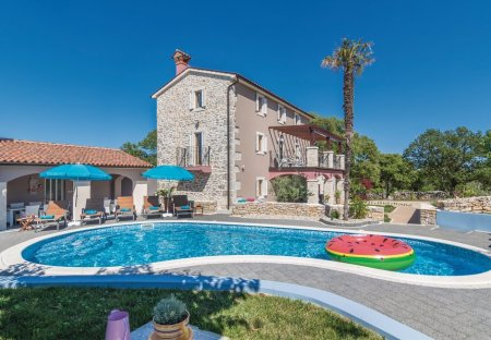 Villa in Eržišće, Croatia