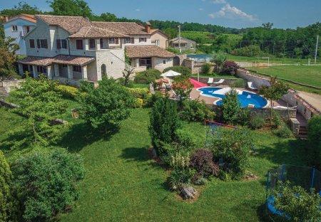 Villa in Prhati, Croatia