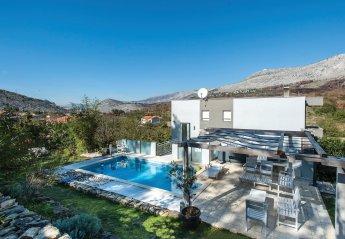Villa in Srinjine, Croatia