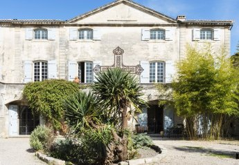 Villa in Vallabrègues, the South of France
