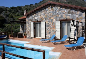 Beautiful Holiday Villa In Elounda With Private Pool