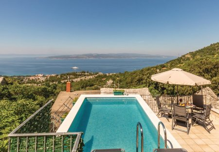 Villa in Baška Voda, Croatia: OLYMPUS DIGITAL CAMERA