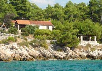 Cottage in Milna, Croatia