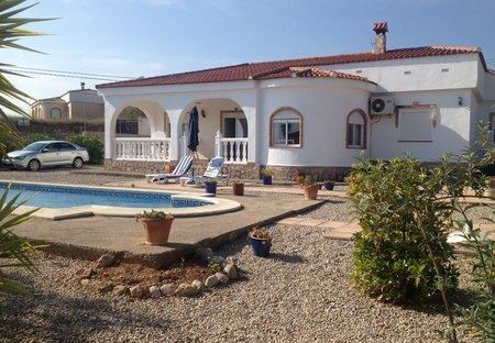 Villa in Montroy, Spain