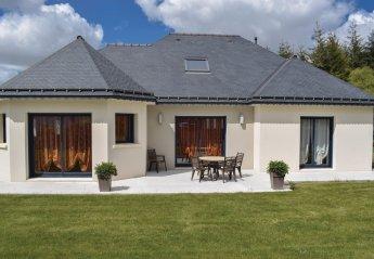 Villa in Ploumagoar, France