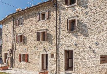 Villa in Fosse, Italy: