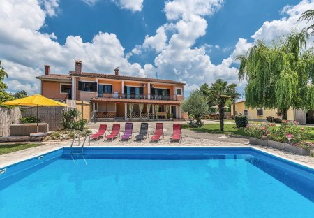 Villa in Bertoši, Croatia
