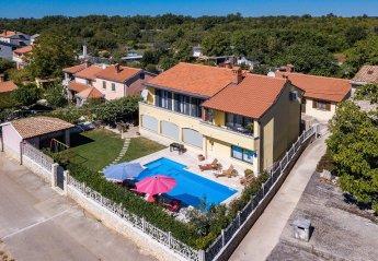 Villa in Čabrunići, Croatia
