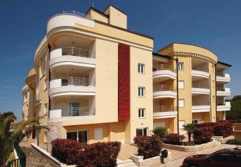 Apartment in Monterol, Croatia: --