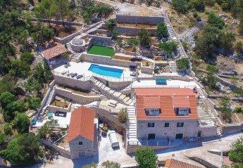 Villa in Ložišća, Croatia