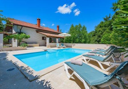 Villa in Zabrežani, Croatia