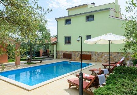 Villa in Peruški, Croatia
