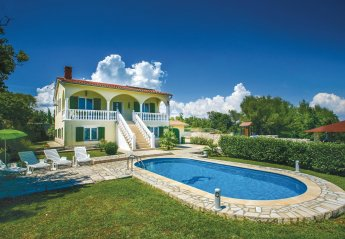 Villa in Kavran, Croatia
