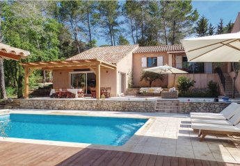 Villa in Bagnols-en-Forêt, the South of France