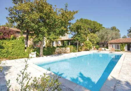 Villa in Le Rouret, the South of France