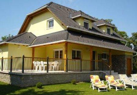 House in Vonyarcvashegy, Hungary: Back of house