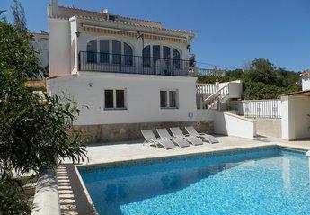 Villa in Sol del Este, Spain