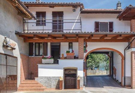 Apartment in Camerano, Italy