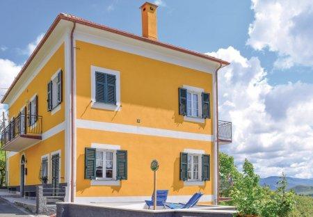 Apartment in Tavarone, Italy