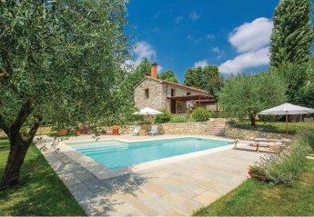 Villa in Vaiano, Italy