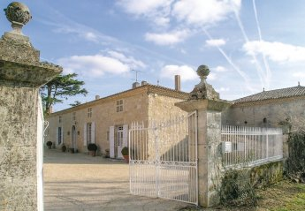 Villa in Miradoux, the South of France