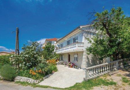 Apartment in Mundanije, Croatia
