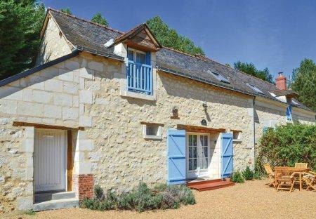 Villa in Vernoil-le-Fourrier, France