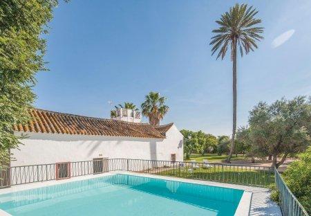 Villa in La Campana, Spain