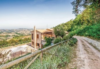 Villa in Ripatransone, Italy