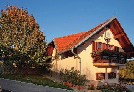 Apartment in Grabrovec, Slovenia
